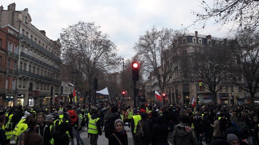 """Des manifestants à Toulouse lors de l'acte 9 des """"Gilets jaunes"""""""