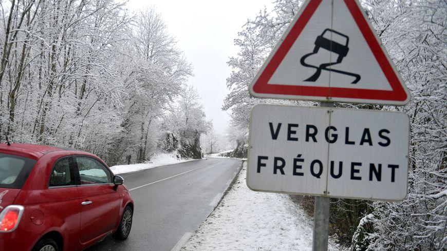 La plupart des transports scolaires sont suspendus ce matin en Sarthe à cause du verglas