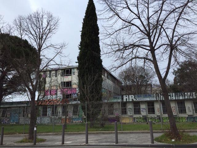 c'est sur ce terrain de 20 000 m2, friche de l'ancien collège Louis Armand (12e), que le projet prévoit la construction de l'hôpital privé