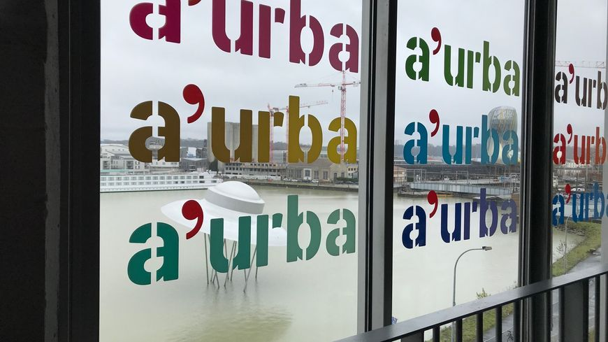 L'A-urba est installée aux Bassins à flot à Bordeaux.