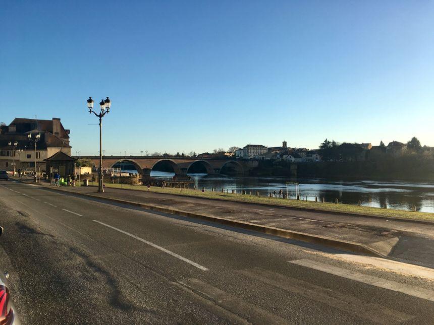 Les 86 places de parking, situées sur le port, juste en face du restaurant, sont supprimées.