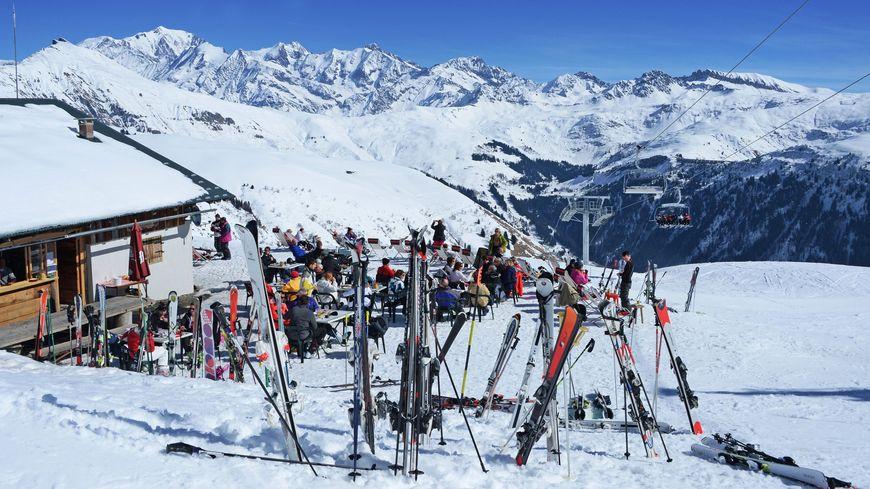 """En plus d'un BAC+2 commerciale, une formation au ski est """"fortement conseillée"""""""