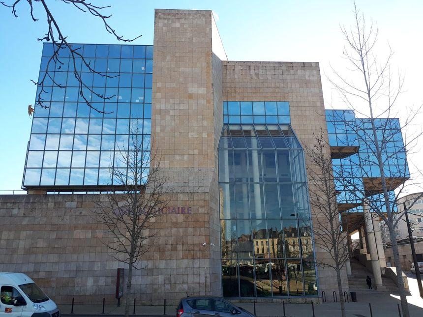 La cité judiciaire du Mans dans laquelle se trouve la Cour d'Assises de la Sarthe