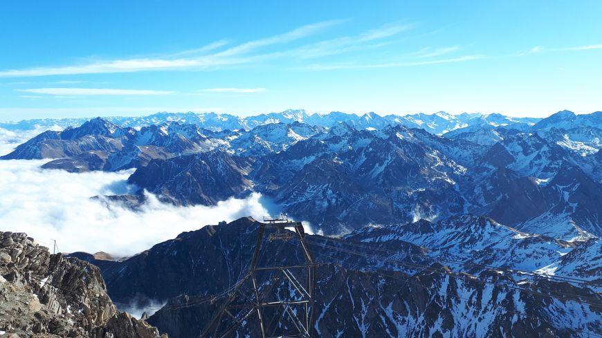 Vue du Pic du Midi sur les Pyrénées