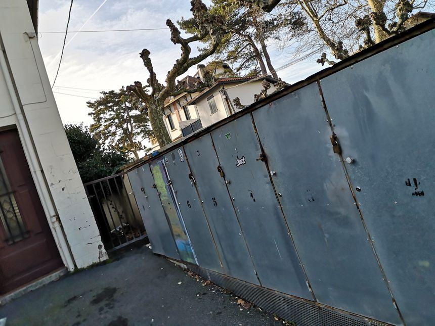 Les pensionnaires du logement d'urgence de Saint Jean de Luz disposent de casiers pour leurs affaires