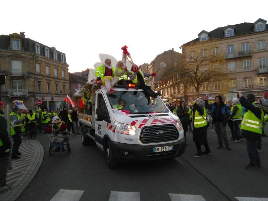 Plus de 3000 personnes ont défilé dans le calme à Belfort
