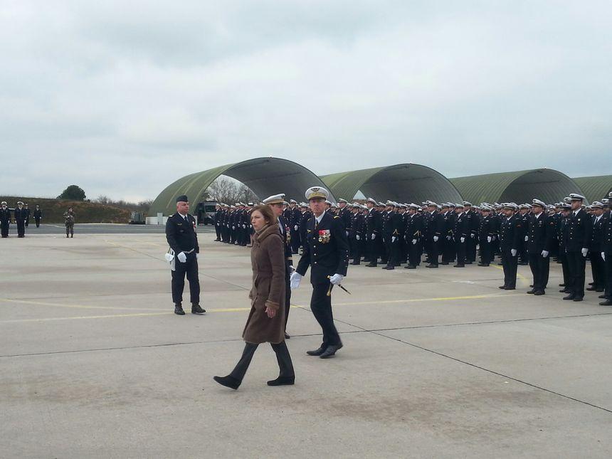 La ministre Florence Parly a passé les troupes en revue