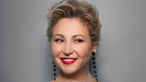 Karine Deshayes, mezzo-soprano. Prochains concerts : Berlioz, Nuits d'Eté (12-13/I/2019). Haendel, Il Trionfo del Tempo e del Disinganno (23,27/I/19)