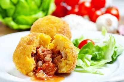 Servira-t-on des arancini, boule de riz fourrée à la viande ou à la mozarella ou les deux, dans le restaurant de Lucia Riina ?