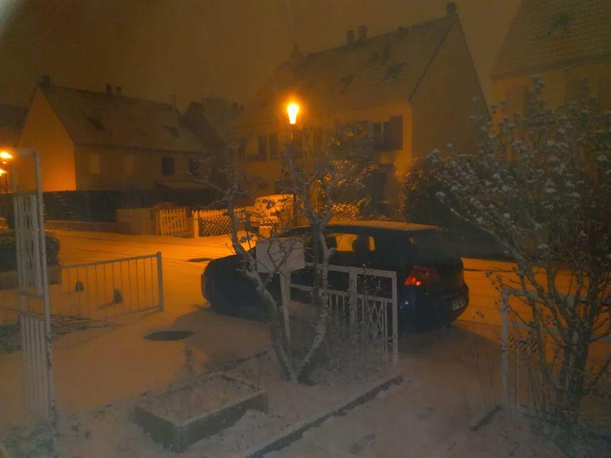 La neige tombe encore chez Serge à Metz Devant-les-Ponts