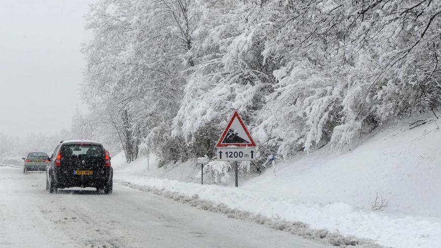 Le Cantal est placé en vigilance orange neige-verglas, jusqu'à 15 cm attendus dans l'Ouest du département
