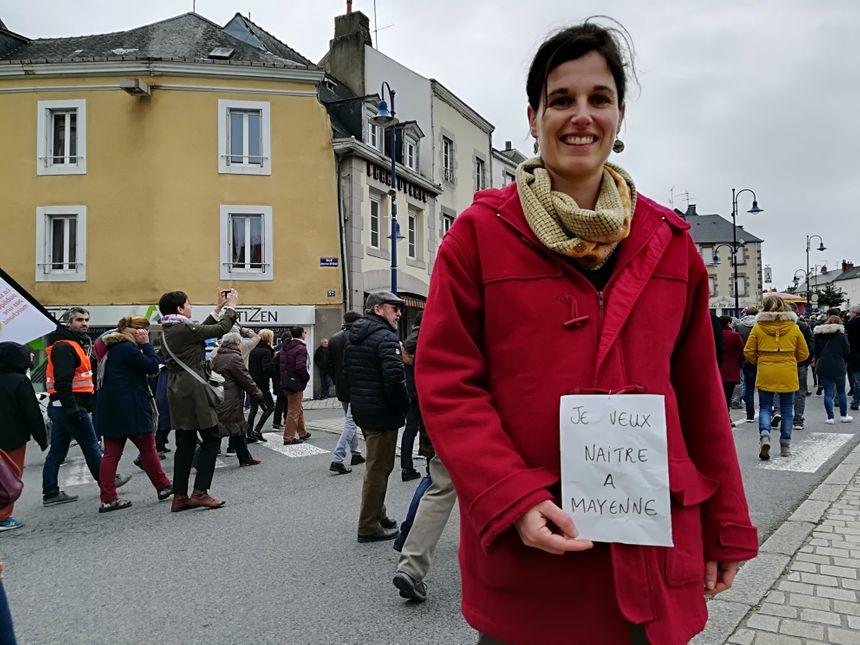Laura espère accoucher à la maternité de Mayenne d'ici quelques mois.