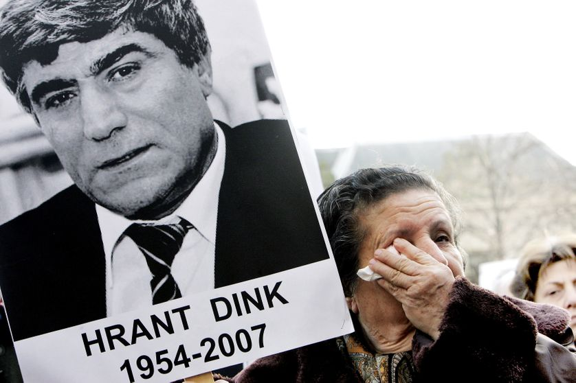 Portrait du journaliste turc d'origine arménienne Hrant Dink, assassiné en 2007. Manifestation pour protester contre son assassinat à La Haye.