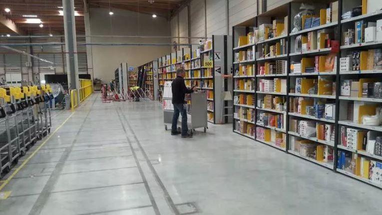 Les employés de la plateforme Amazon à Montélimar ainsi que les intérimaires vont toucher jusqu'à 500 euros de prime exceptionnelle.