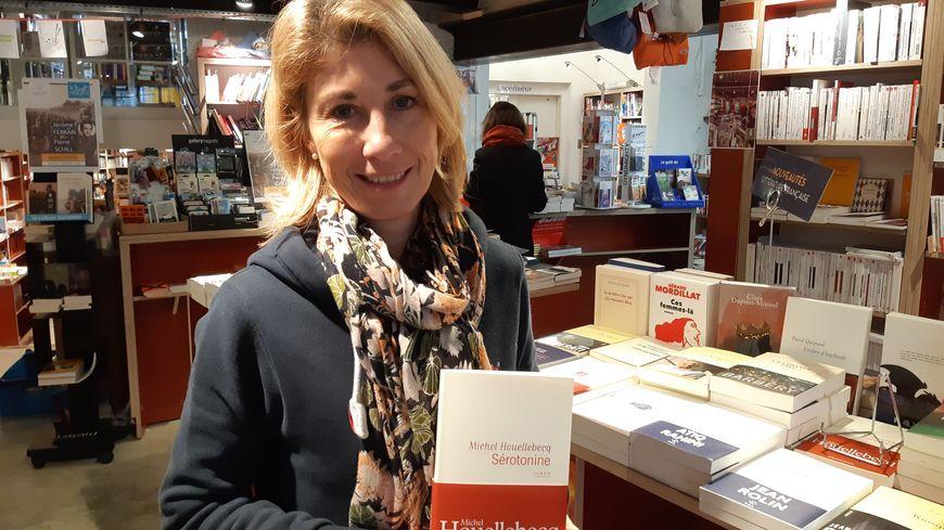 """Florence de Mornac, gérante de la librairie des Halles à Niort, a déjà vendu 130 exemplaires de """"Sérotonine"""""""