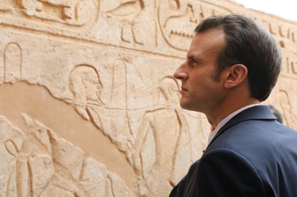 Emmanuel Macron au temple d'Abou Simbel dimanche 27 janvier, première étape de sa visite en Egypte