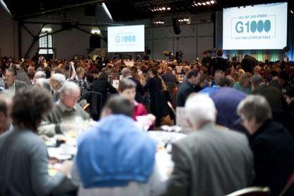 Au sommet du G1000 le 11/11/2011 à Bruxelles, 1000 citoyens débattent de la sécurité et d'immigration, en pleine crise politique.    Légende : Au sommet du G1000 le 11/11/2011 à Bruxelles, 1000 citoyens débattent de la sécurité et d'immigration, en