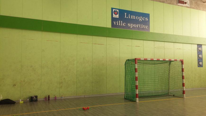 Au gymnase de Buxerolles à Limoges.