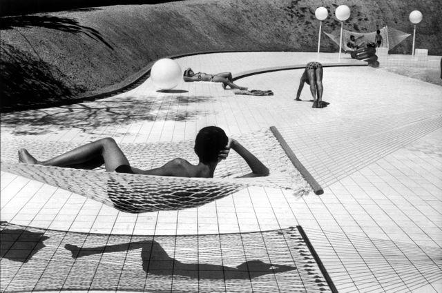 Piscine conçue par Alain Capeillères, Le Brusc, été 1976