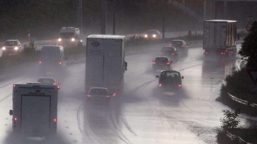 Les autoroutes A63, A64 et A65 sont limitées à 80 km/h à partir de 16h ce mardi.
