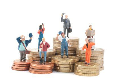Les Français travaillent en moyenne 630 heures par an, quatre mois et demi. Il ne s'agit pas du temps travaillé par ceux qui ont un emploi, mais par tous et dans le pays