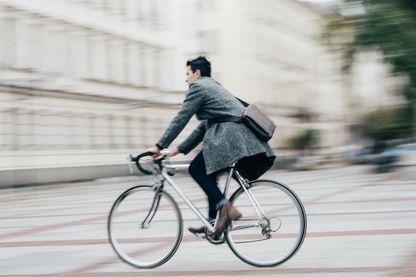 Faire réparer son vélo sur place avec les ateliers ambulants