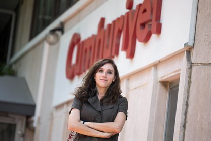 """Pelin Ünker, qui lorsqu'elle travaillait au journal """"Cumhuriyet"""" , a participé à révéler l'affaire des """"Paradise Papers""""."""