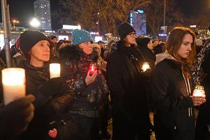 Varsovie, 14 janvier 2019. Des milliers de personnes se sont rassemblées pour protester contre la violence et rendre hommage à Pawel Adamowicz, maire de Gdansk assassiné dans la même ville.