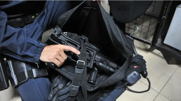 L'IGPN, la police des polices, a ouvert 80 enquêtes sur des violences policières liées aux LBD, dont l'affaire de celle de St Jean-de-Braye