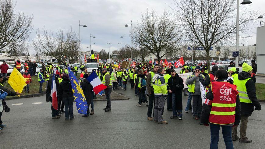 Pour la première fois dans le Nord Franche-Comté, gilets jaunes et syndicats ont organisé ensemble une manifestation à Montbéliard.