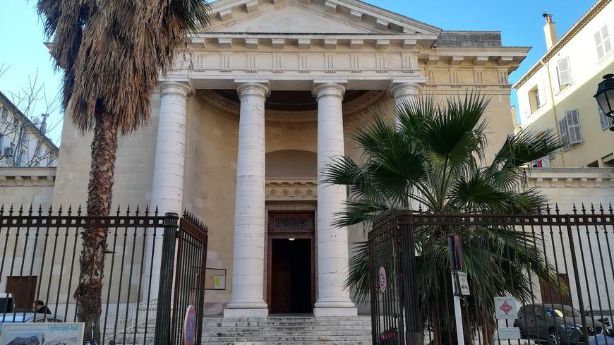 """L'église Saint-Louis de Toulon va exposer les photos de """"ses"""" mariés"""