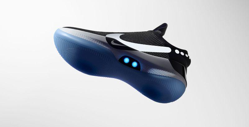 Nike lance des baskets connectées autolaçantes avec Siri | Actu