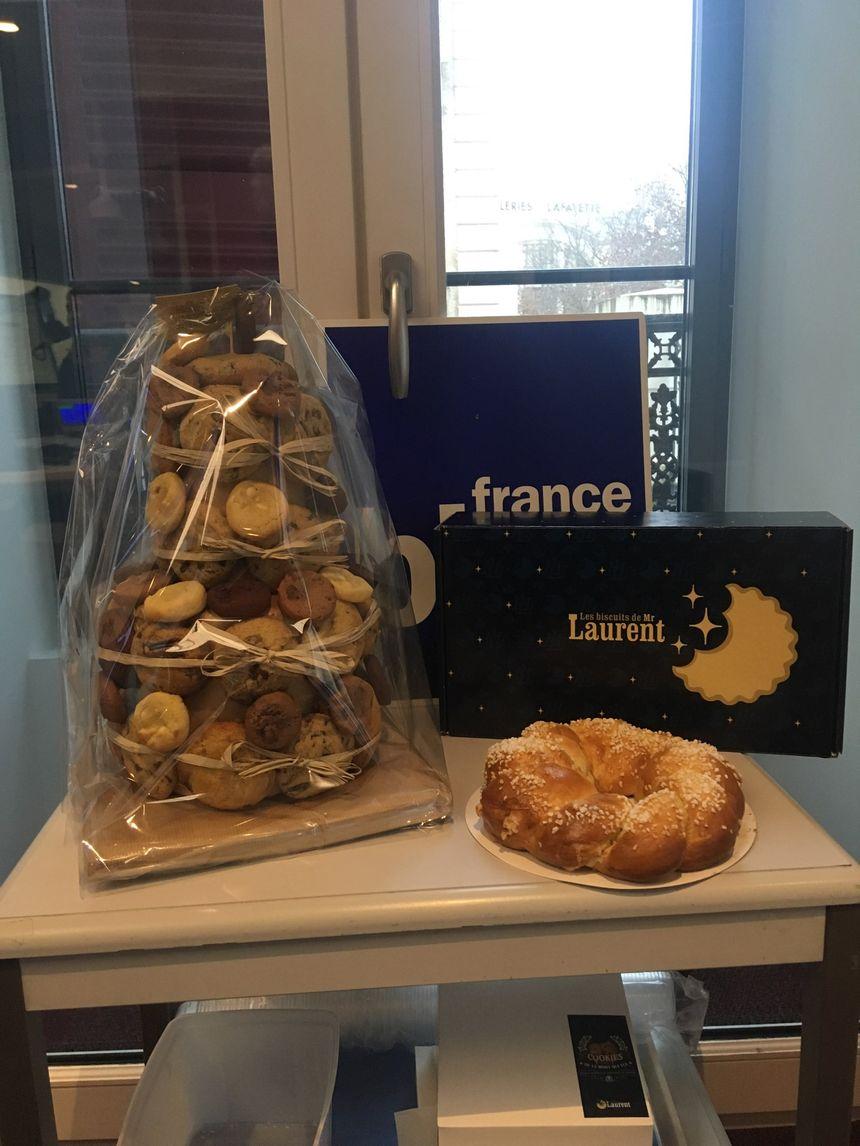 Une montagne de cookies et puis une couronne de chez Mr Laurent