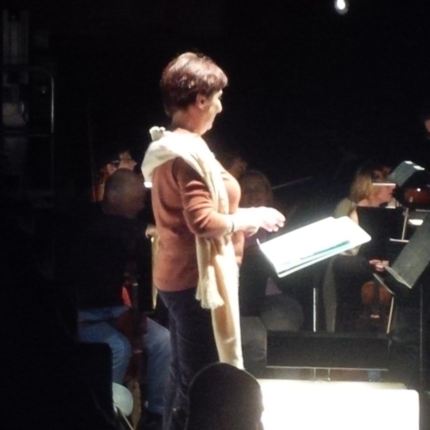 Françoise Lasserre à la baguette à l'Opéra Confluence.