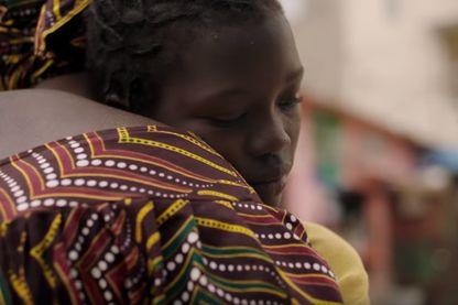"""Capture d'écran de la vidéo """"Agissons contre le tabou des règles : #RespectezNosRegle"""" de l'ONG Care"""