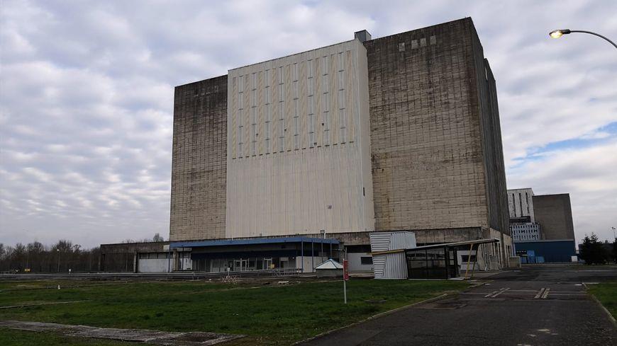 La centrale de Chinon doit démanteler le réacteur graphite A2 d'ici 2030. Elle va s'adosser à un démonstrateur industriel pour planifier le démantèlement
