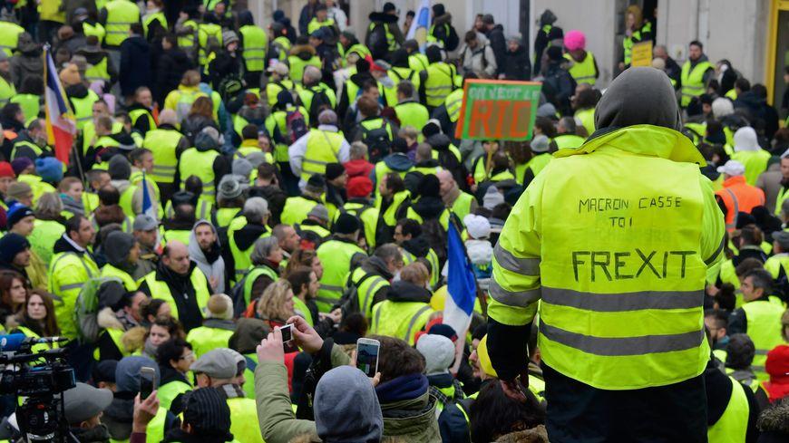 Plus de 6.000 personnes avaient convergé sur Bourges pour l'acte 9 des gilets jaunes le 12 janvier