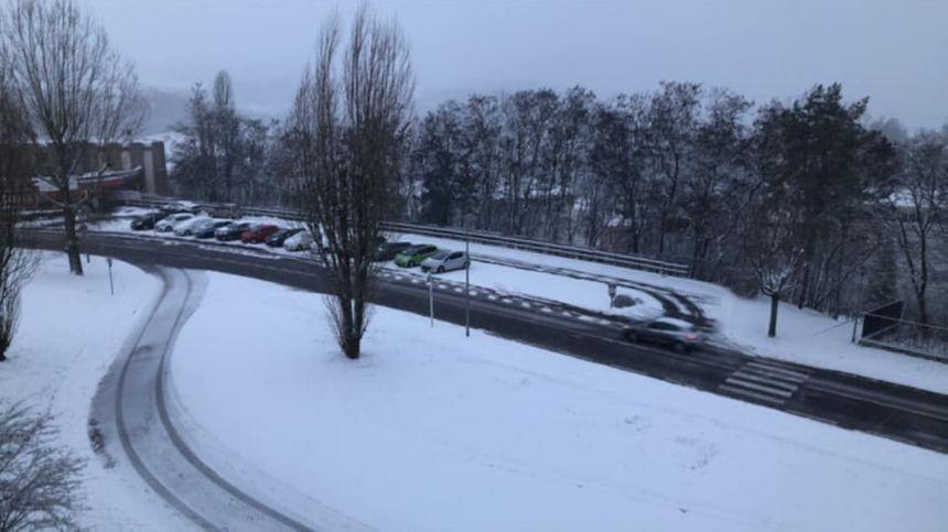 De la neige, mais ça roule devant chez Thérèse à Saint-Avold