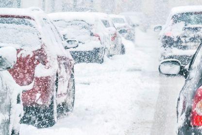 Chaque hiver des milliers de tonnes sont répandues sur les routes et trottoirs.
