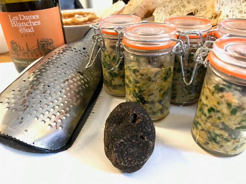 """Petites Verrines aux Truffes cuisinées par Hervé Dodane, chef du restaurant """"Le Poème"""" de Grignan"""
