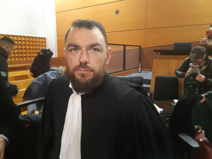 Me Lee Takhedmit, l'avocat de l'ex mari et des trois enfants de la victime persuadé que l'accusé a prémédité son acte