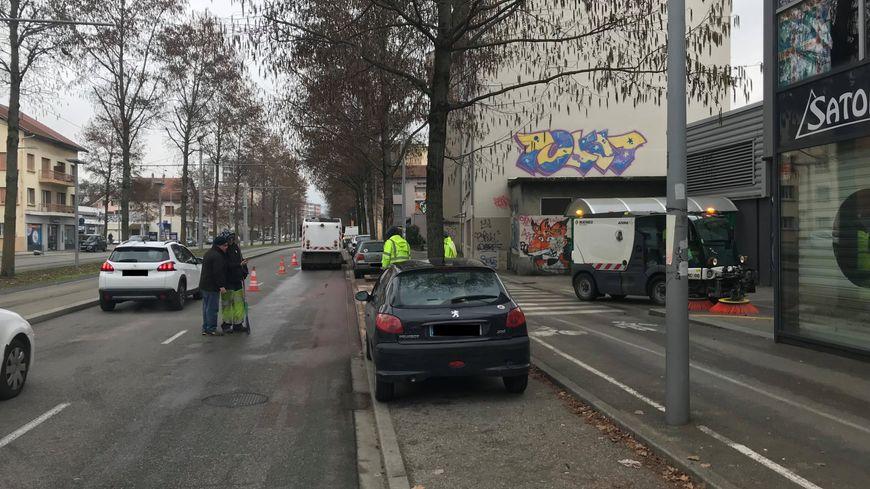 L'accident s'est produit vers 7 heures mardi matin sur l'avenue Gabriel-Péri à Saint-Martin-d'Hères.