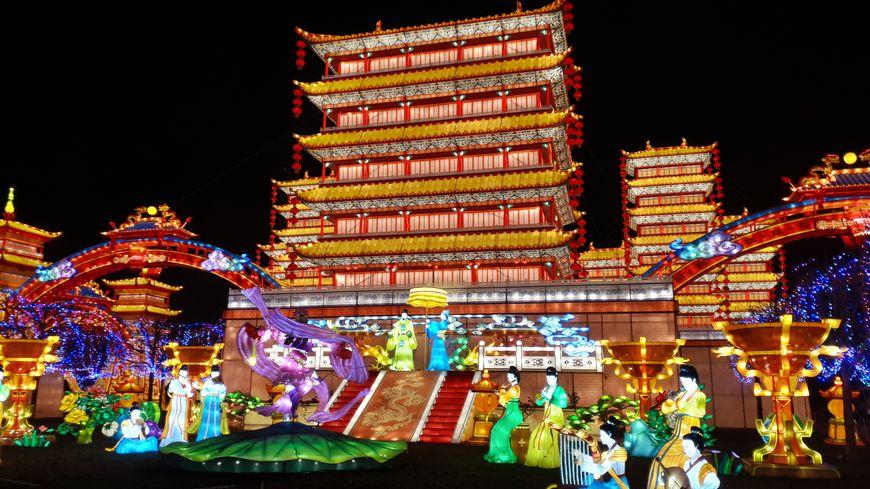 Plus 120 000 personnes sont déjà venues admirer les 1 000 lanternes du festival.