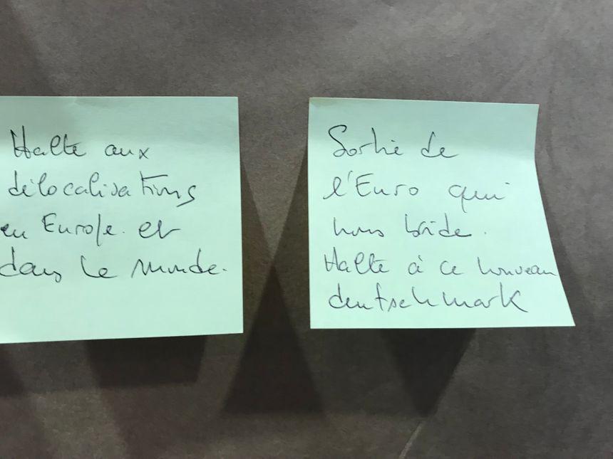 Voici un exemple des doléances laissées sur les affiches de la réunion sur le grand débat national à Mont-de-Marsan