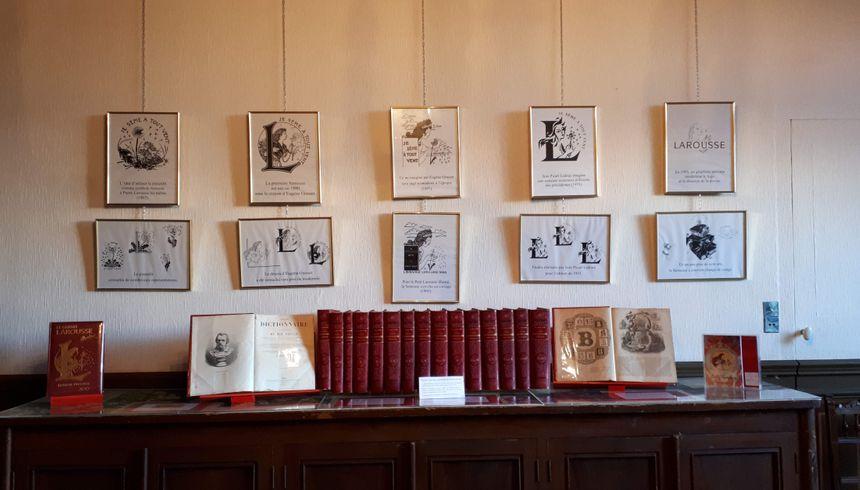 L'édition originale du dictionnaire Larousse dans la maison de Claude Augé. L'Isle-Jourdain (32)