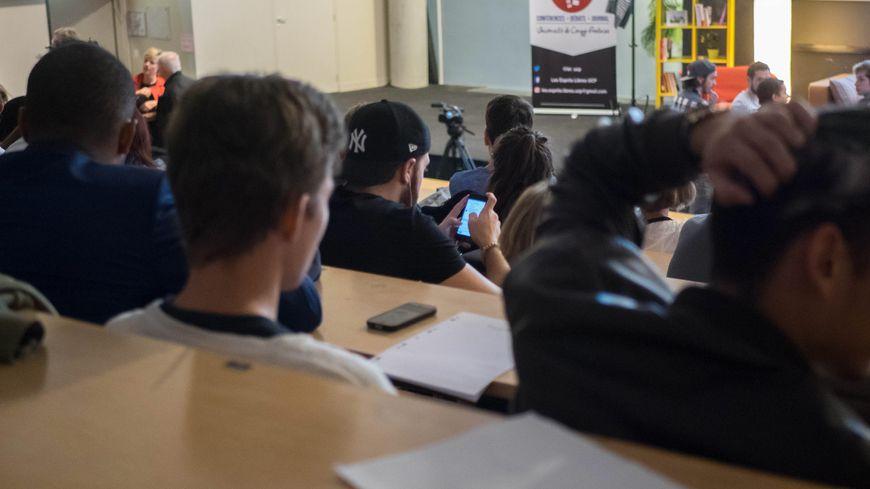 Depuis la mi janvier 30 étudiants suivent une formation à Limoges pour obtenir le D.U. REAGIR (illustration)