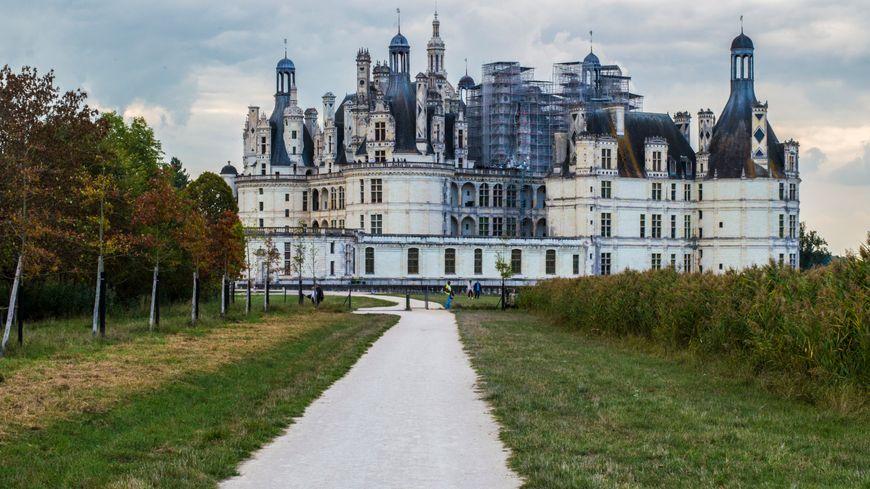 Les personnes en fauteuil roulant ne peuvent visiter que le parc et le rez-de-chaussée du château de Chambord.