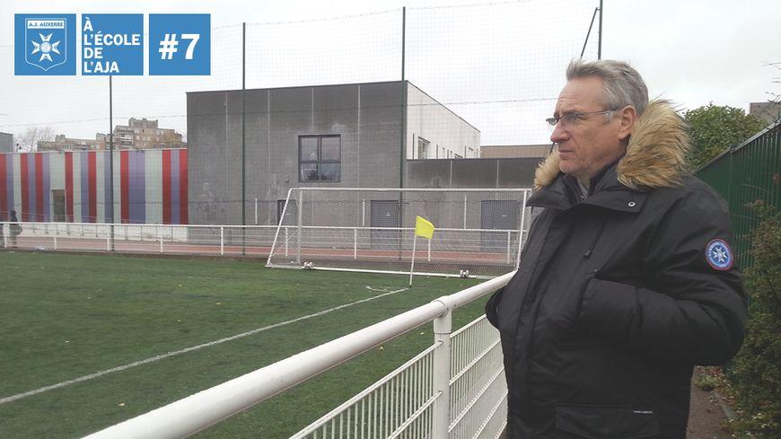 Vincent Cabin passe ses week-ends à superviser de jeunes joueurs en région parisienne pour le compte de l'AJA