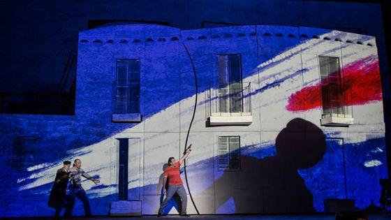 En octobre 2017, le Théâtre de l'Opéra de Rome a travaillé avec WASP, le fabricant italien d'imprimantes 3D grand format, pour créer les décors de l'opéra comique, Fra Diavolo d'Auber.