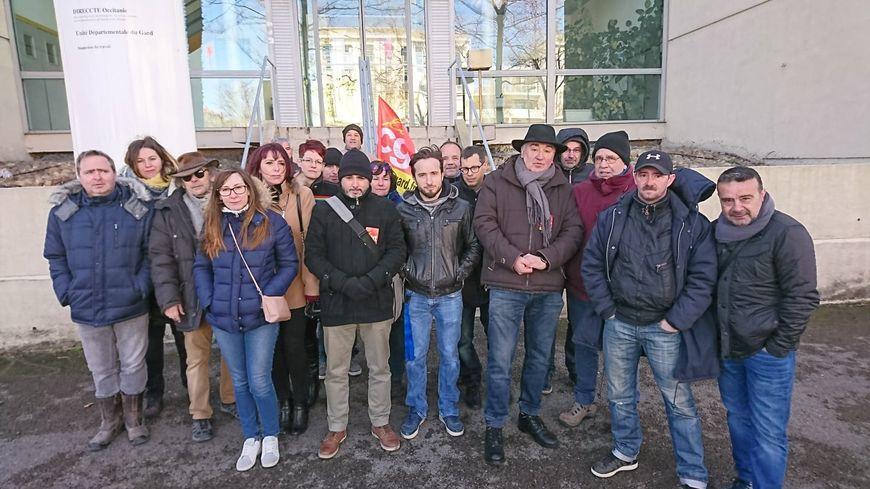 Les salariés de l'usine Deulep de Saint-Gilles devant la DIRECCT du Gard